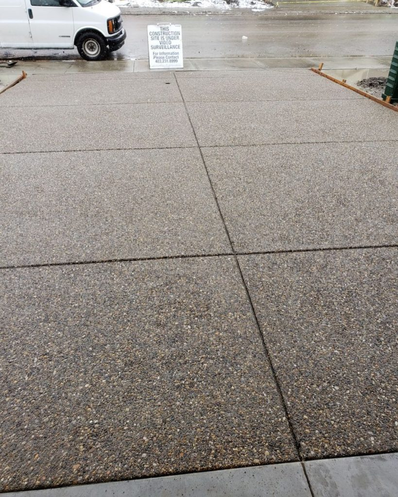 exposed-concrete-driveway