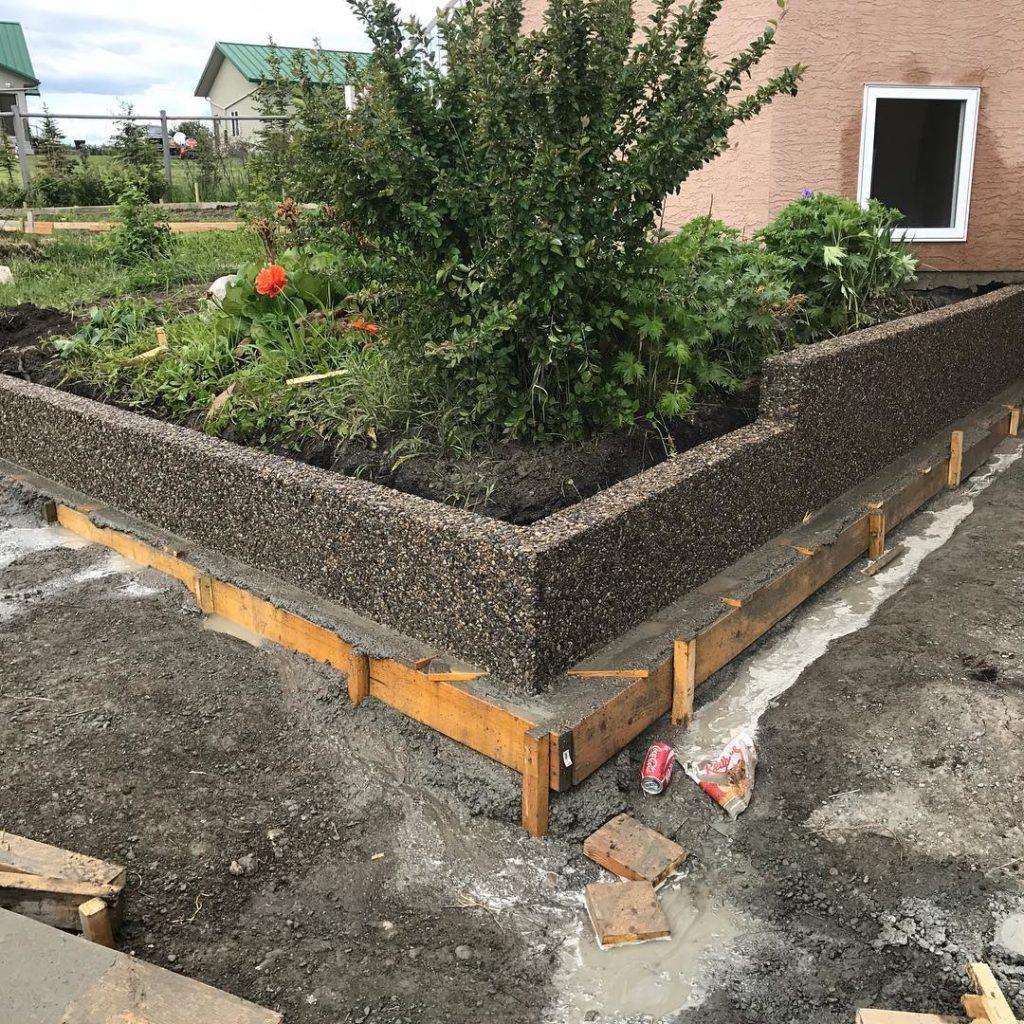 exposed-concrete-retainingwall2