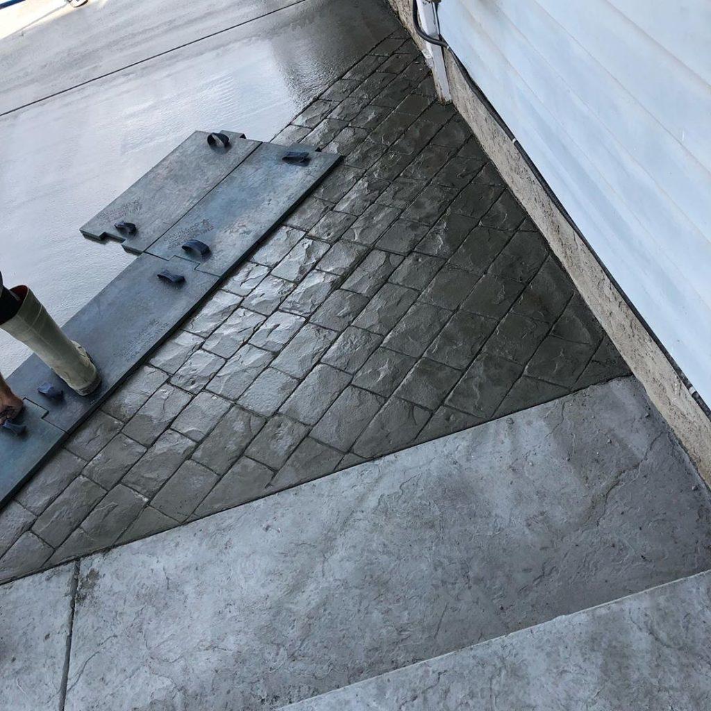 london-cobblestone-stamped-concrete-patio-calgary1
