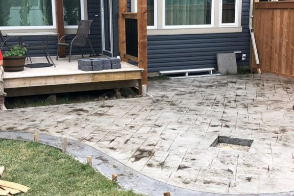 back-yard-stamped-fireplace3